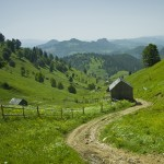 cheile-bicazului-barnadu-village-vithovos-peak
