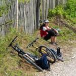 cuejdel-lake-pedaling